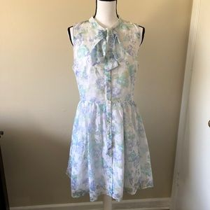 Sleeveless Tie neck green floral dress Size L